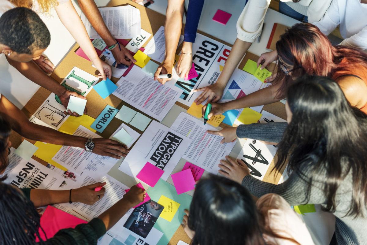 A comunicação é a melhor forma de enviar corretamente a sua mensagem ao público alvo e para realizar com eficácia, sua empresa necessita da ajuda de profissionais capacitados, além de seguir um cronograma, sendo o termo conhecido como planejamento de comunicação.